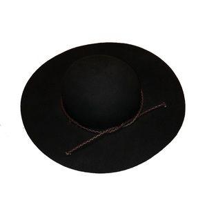Black F21 felt floppy hat